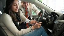 Für junge Autofahrer muss es nicht immer ein Neuwagen sein.