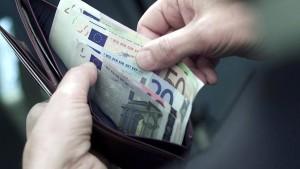 Wie Verbraucher ihr Geld von der Bank zurückbekommen
