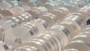 Alcoa belastet vom schwachen Aluminiummarkt