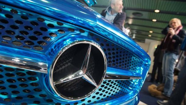 Daimler kappt Gewinnprognose für 2013