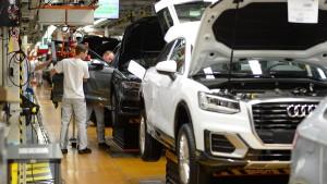 Deutsche Unternehmen drosseln Produktion
