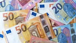 Bargeldeinsatz sinkt um mehr als 70 Milliarden Euro