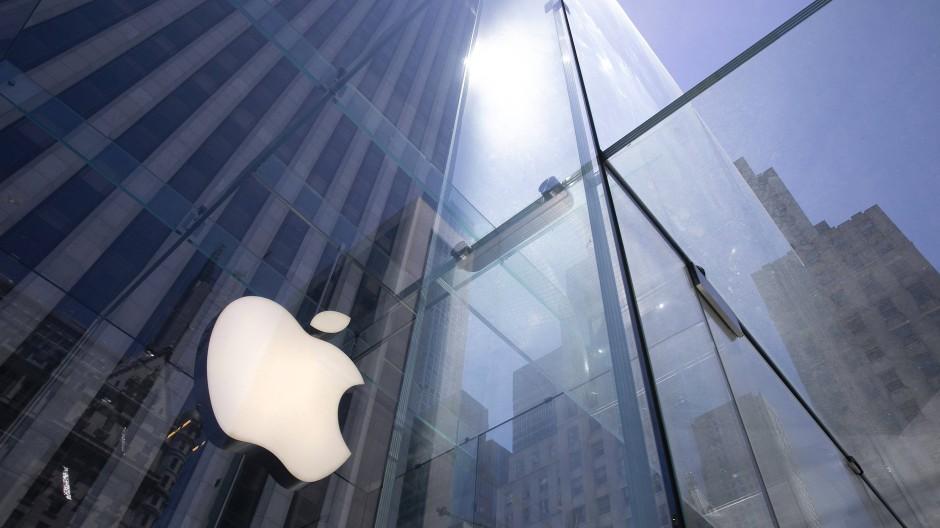 Das Apfel-Logo des Digitalkonzerns Apple glänzt auch an der Börse.