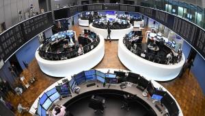Warum die Aktienkurse steigen