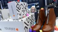 Die Samwer-Brüder wollen sich einen Teil der hohen Gewinne sichern - und verkaufen Zalando-Aktienpakete in dreistelliger Millionenhöhe vor Ende der Haltefrist.
