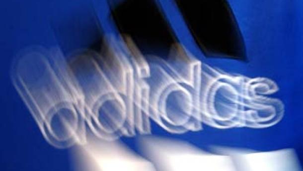 Gebot für Reebok schickt Adidas-Aktie auf Berg- und Talfahrt