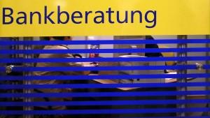 Stiftung Warentest beklagt mangelnden Service von Banken