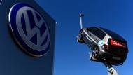 VW-Aktionäre brauchen gute Nerven