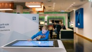 Zukunftsvision der Deutschen Bank: Finanzplan mit dem Touchscreen