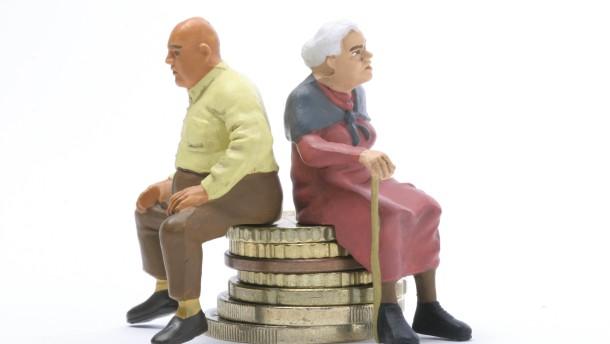 Sachaufnahme zum Thema Senioren: Preiser-Figuren älteres Paar
