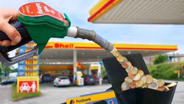 Bargeld tanken bei Shell