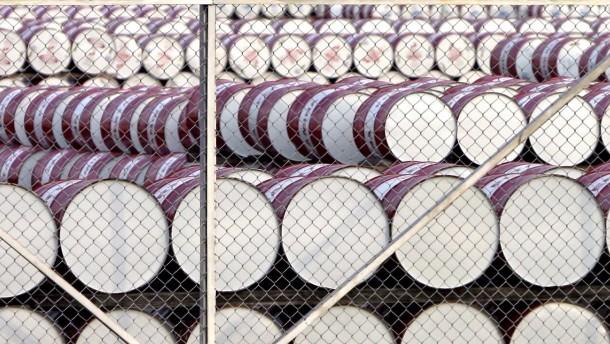 Ölpreis fällt deutlich unter 70 Dollar