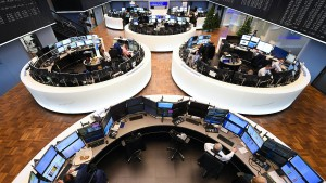 Spekulationen um Deutsche Bank drücken Kurse