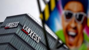 Lanxess-Aktien setzen Talfahrt fort