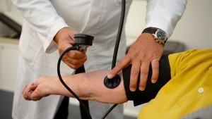 Jeder Vierte wartet länger als drei Wochen auf Facharzttermin