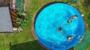 Darf man sich einen Swimmingpool in den Garten bauen?