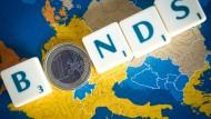 Staatsanleihen von Ländern mit hoher Bonitätsnote wie Deutschland, Finnland oder die Niederlande stehen weiter hoch im Kurs.
