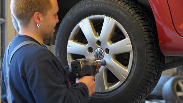 Gebrauchtwagen-Garantie nicht an Vertragswerkstätten gebunden