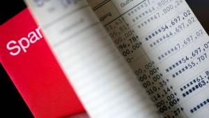 Banken haben noch über Jahre mit Mini-Zinsen zu kämpfen