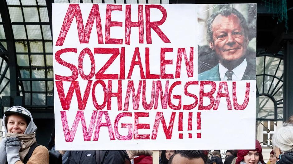 Demonstration in Hamburg. Die Wohnungsnot ist eines der großen ungelösten Probleme.