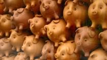 Zinseszinseffekt: Wer sein Geld in Sparschweinchen steckt, dessen Vermögen wird sich nicht vermehren.