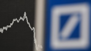 Analyst sieht bei Deutscher Bank Kapitalbedarf von 20 Milliarden
