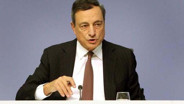 Ezb Prasident Mario Draghi Gehen Mogliche Kaufe Von Anleihen Aus