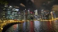 Singapur bekommt die schwelende Krise zu spüren