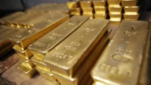 Dollarschwäche treibt Goldpreis auf neue Höhe