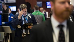 Ergreifen jetzt Anleger die Flucht?