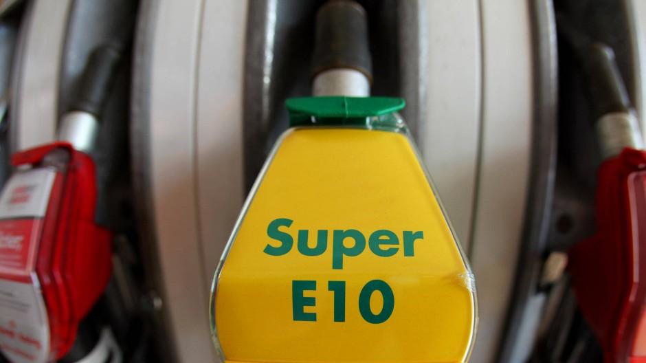 Gut für die CO2-Bilanz: Bio-Kraftstoff E10 an einer Tankstelle