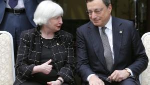 Der Dollar wird schwächer, der Euro legt zu