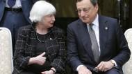 Sie beide stehen bei den Anlegern mit ihren Äußerungen zur Geldpolitik im Fokus: Fed-Chefin Janet Yellen und EZB-Chef Mario Draghi.