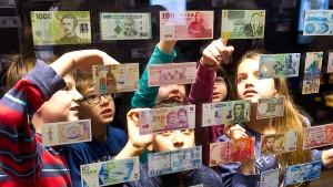Wie kommt das Geld in die Welt?