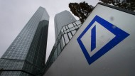 Hatten für die Aktionäre am Donnerstag eine positive Überraschung in petto: Die Deutsche Bank.