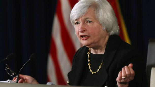 Zinsentscheid in Amerika stützt Aktien