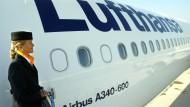 Lufthansa fährt dank Sparmaßnahmen höheren Gewinn ein