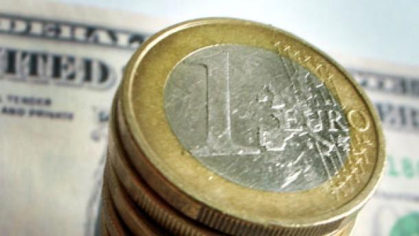 Euro ringt zum Dollar um den Ausbruch nach oben