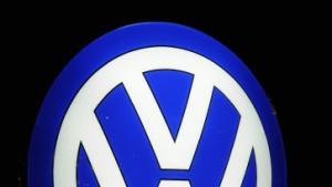 Kursanstieg von VW rettet Dax vor Absturz