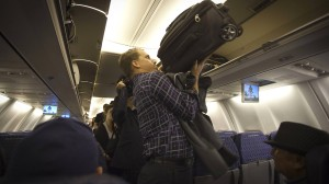 Passt der Trolley für das Bordgepäck? Wer zuviel Hangepäck hat, zahlt künftig.