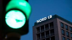 Niedersachsen will die Nord LB mit den Sparkassen retten