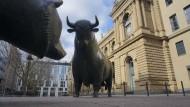 Anleger halten sich vor dem Wochenende zurück