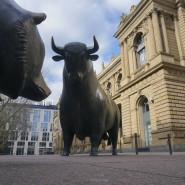 Bulle und Bär halten sich an diesem Freitag zum Handelsschluss die Waage.
