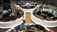 Der Dax ist weiter auf Rekordkurs an der Frankfurter Börse.