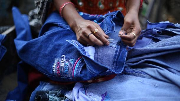 Textilbündnis gegen Ausbeutung im Ausland startet holprig