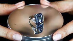 Diamant für fast 60 Millionen Dollar versteigert