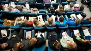 Kosten für Erststudium nicht als Werbungskosten absetzbar