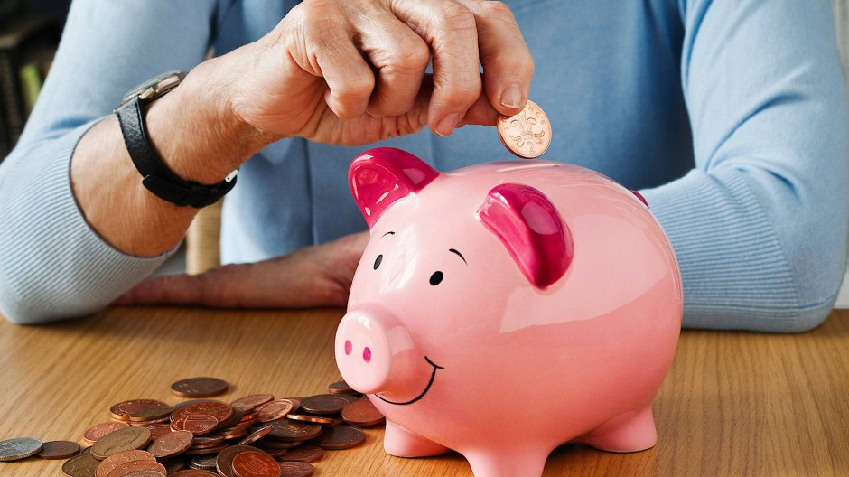 Der Notgroschen oder das Sparen für allgemeine Anschaffungen sind bei den Deutschen weiterhin beliebte Sparmotivationen.