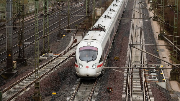 Bahn-Tickets um 16 Prozent billiger