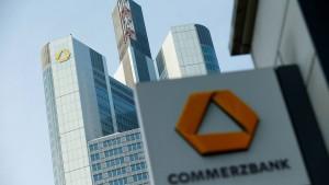 Commerzbank will gegen die Niedrigzinsen anwachsen